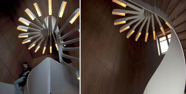 SPIRAL-STAIRCASE-LIGHTING-BY-PSLAB