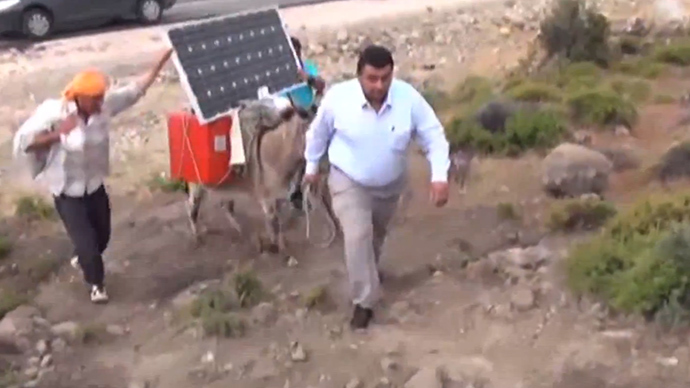 donkey-solar-power-internet.si